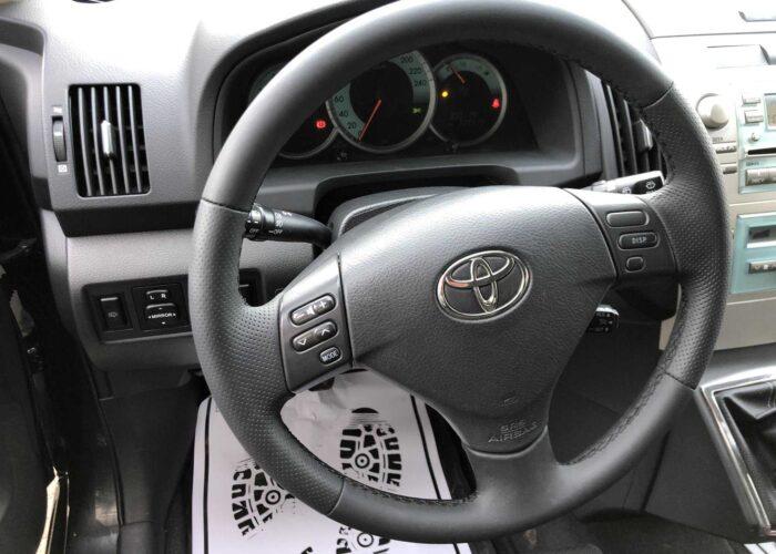Toyota Corolla Verso (10)