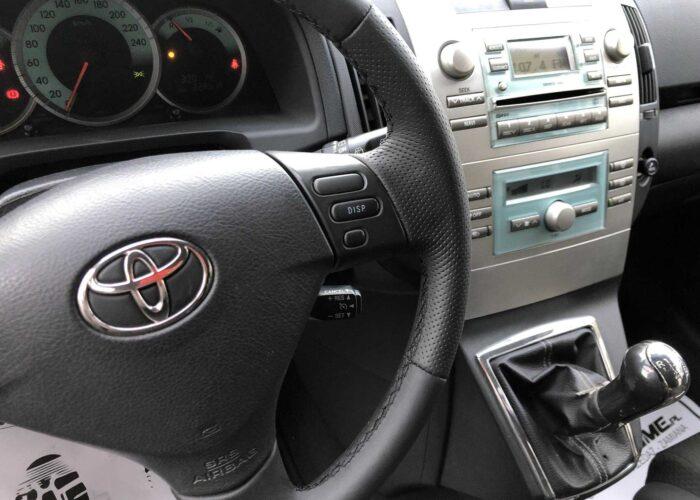 Toyota Corolla Verso (12)